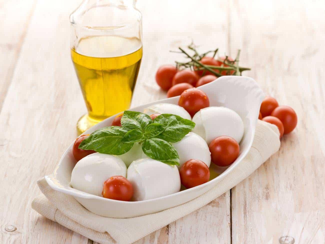 Receta de ensalada de queso y tomates cherry
