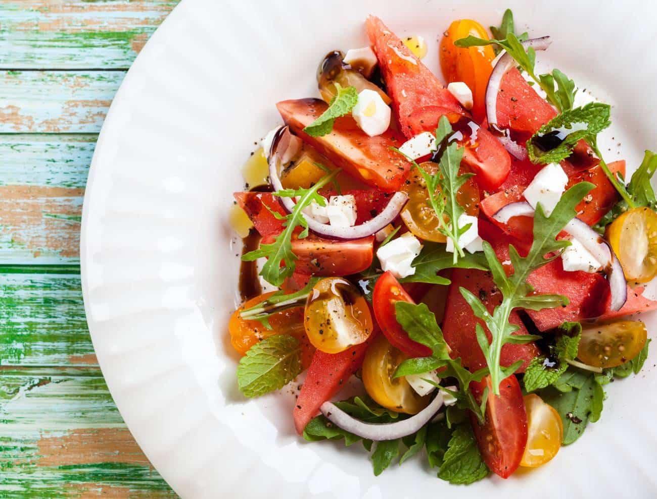 ensalada de sandía con tomate