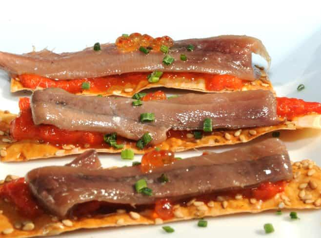 bocadillo mediterraneo anchoas con tomate