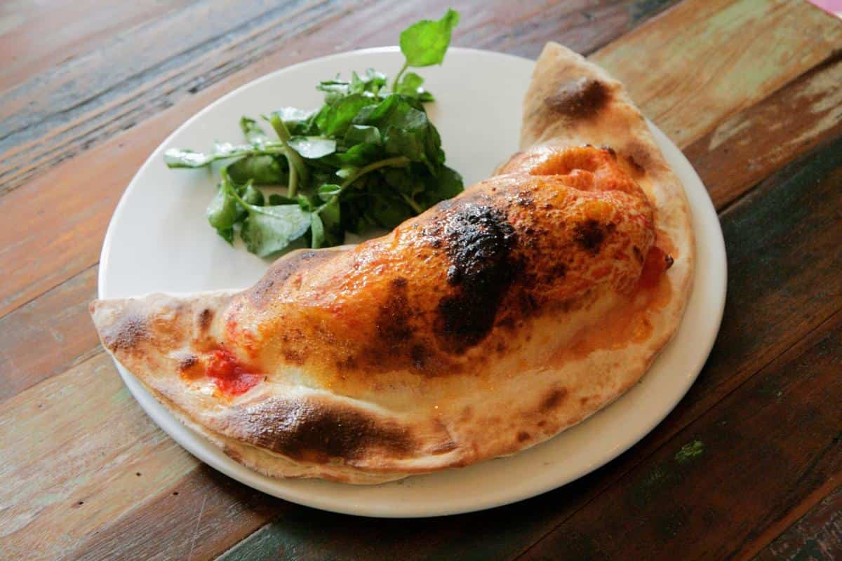 calzone con anchoas
