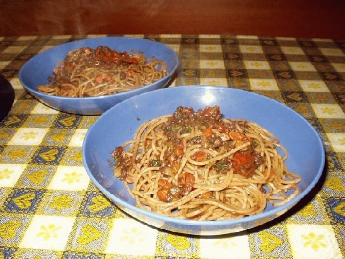 espaguetis con morcilla