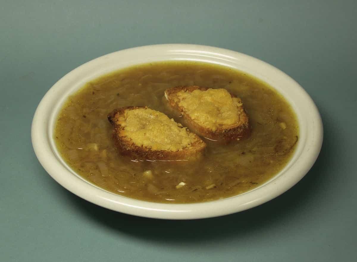 sopa de cebolla al vino