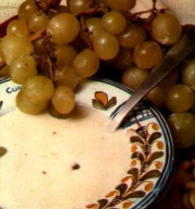 ajoblanco con uvas