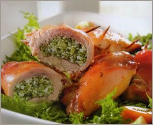muslos de pollo rellenos de espinacas