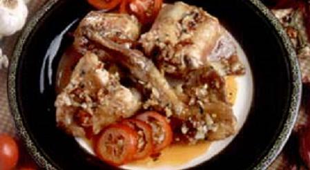 conejo-en-salsa-de-tomate-con-ajo