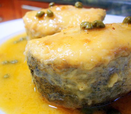 merluza-en-salsa-de-alcaparras