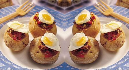 patatas-rellenas-con-huevos-de-codorniz-fritos