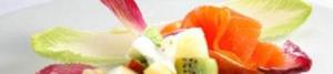 ensalada de frutas y salmón