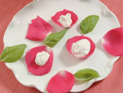 pétalos de rosa con arroz con leche