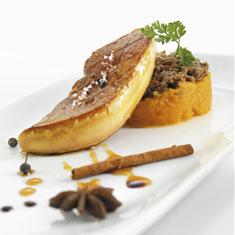 escalope de foie salteado con zumo de vainilla y pure de boniato