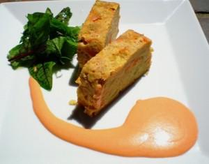 pastel de verduras con mayonesa y tomate