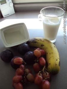 Batido de uva ciruelas y plátano