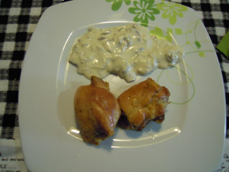 Emboltini de pollo con salsa de champiniones
