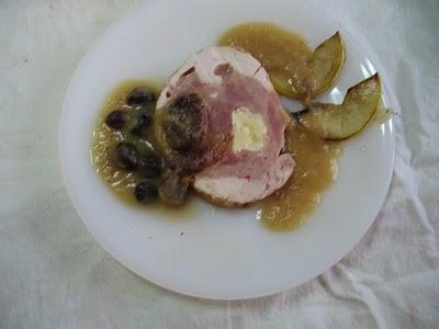 pollo relleno con salsa de manzanas platos 002