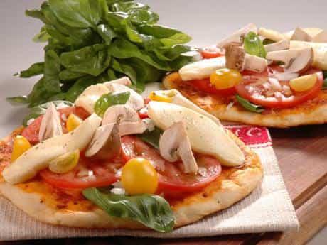 Pizzas individuales de tortilla de trigo