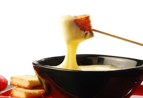 Receta de Fondue de queso y picantes