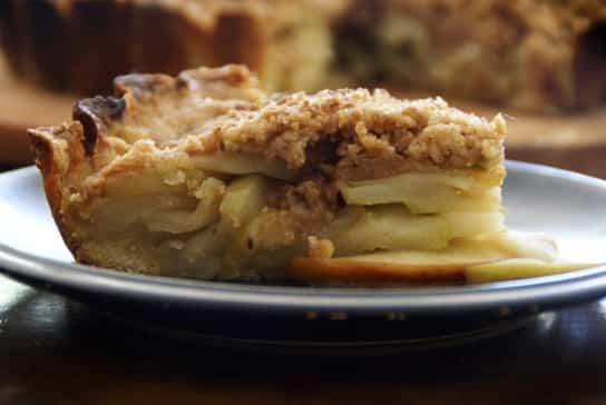 Tarta de manzana y crumble de canela