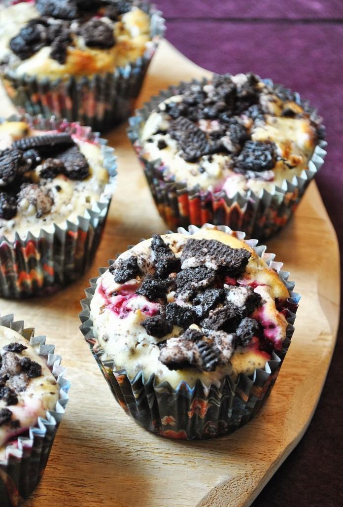 Vanilla Raspberry Oreo Cheesecake Muffins 1