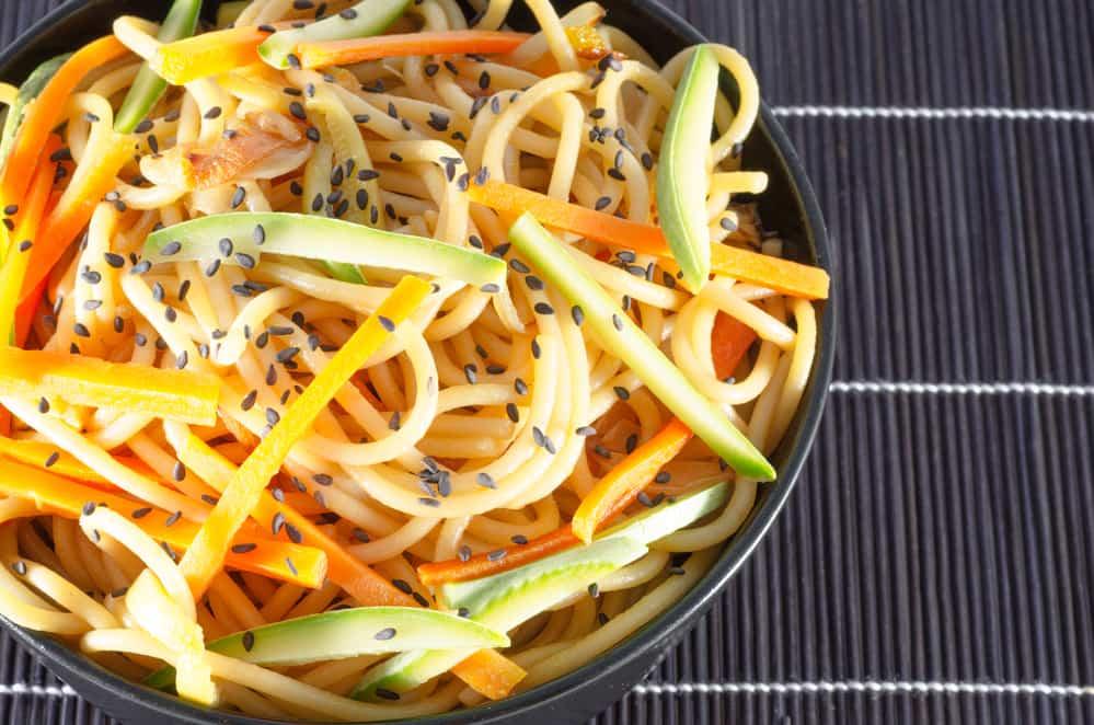 espaguetis con salsa de soja