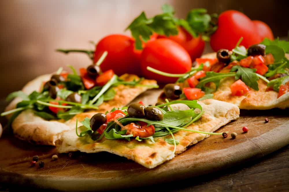 pizza vegetariana tomate