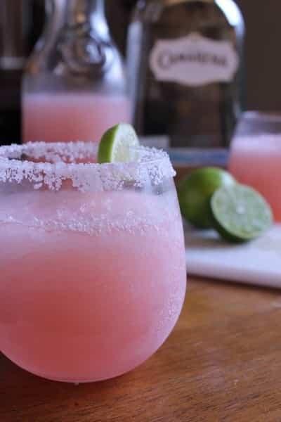 cóctel margarita rosa