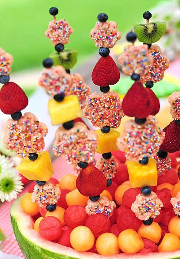 brochetas de frutas