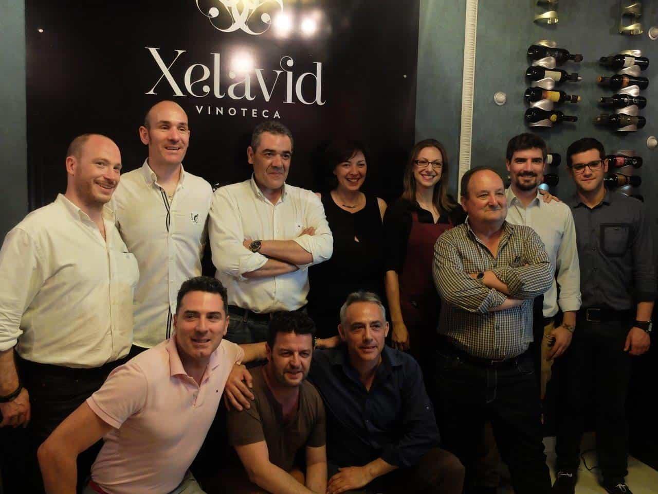 Foto de grupo Xelavid y bodegueros