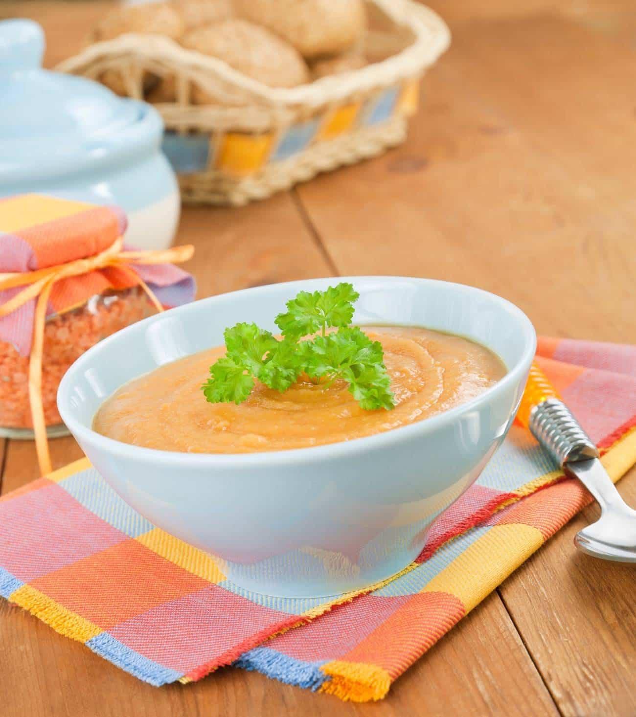 recetas gourmet con sobras de comida - crema de lentejas con foie