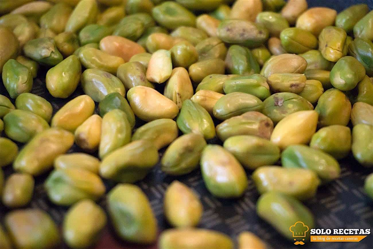 solomillo a la sal con hummus de pistacho 11
