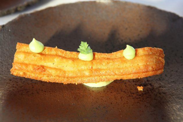 churro de jamon con cremoso de guisantes