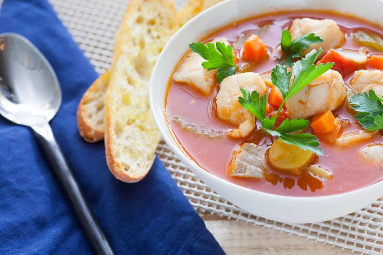 sopa de pescado sencilla