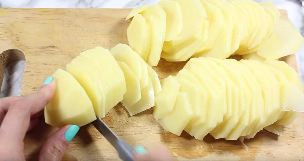 patatas al horno con repollo cortar las patatas