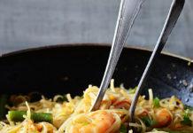 platos con fideos