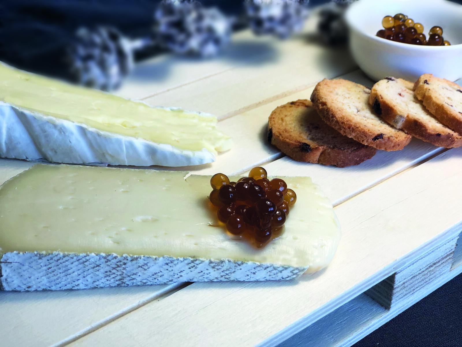 queso con caviar de miel