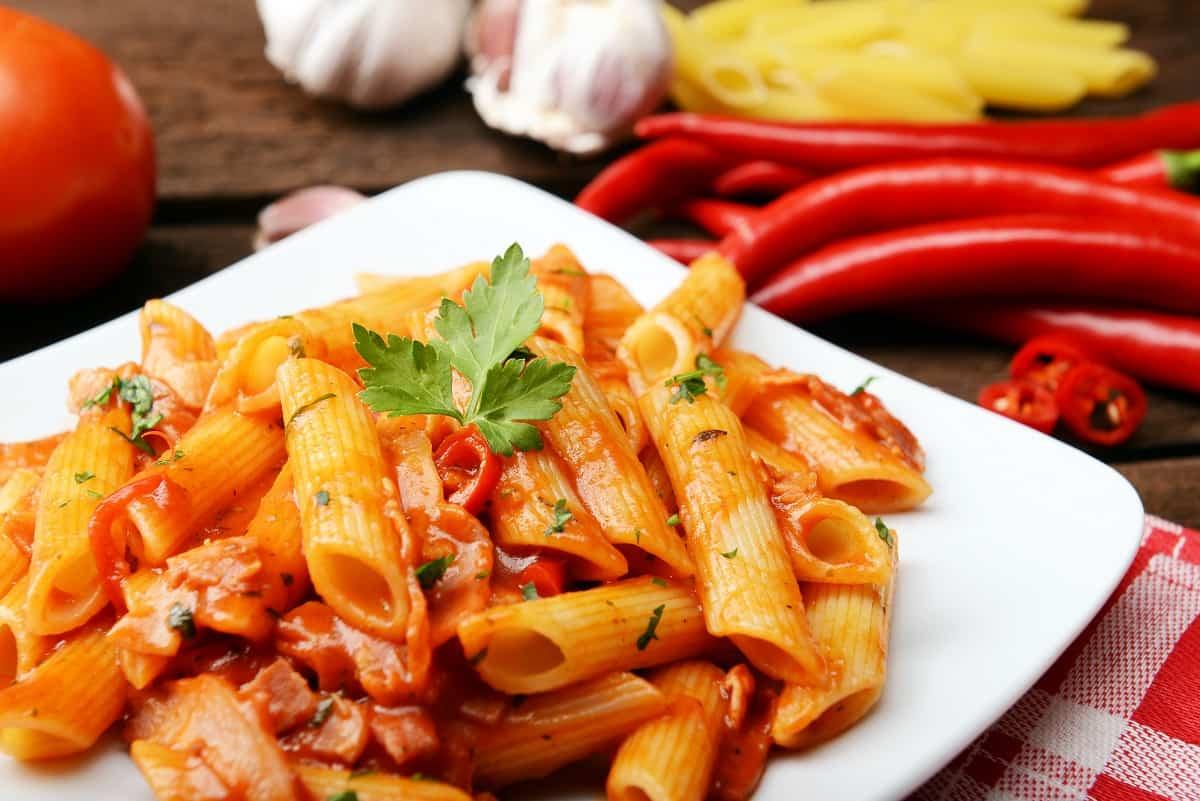 Macarrones con verdura y queso mozzarella sin lactosa